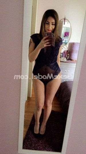 Franka massage tantrique escorte à Plaisance-du-Touch
